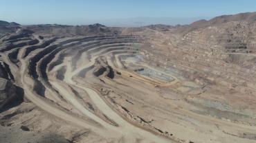استخراج معدن سنگ آهن جلال آباد زرند